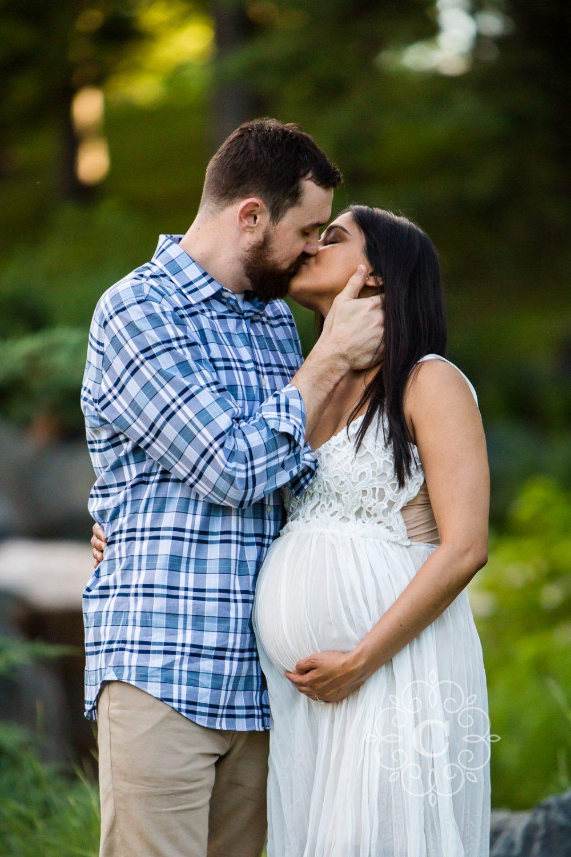 Minneapolis Maternity Photography by Carina Photographics