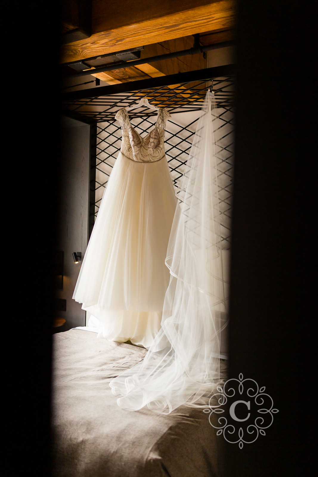 Mill City Museum Wedding Photo