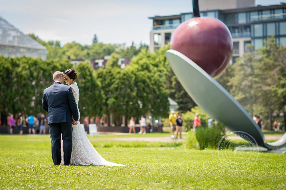Minneapolis Sculpture Garden Wedding Photography