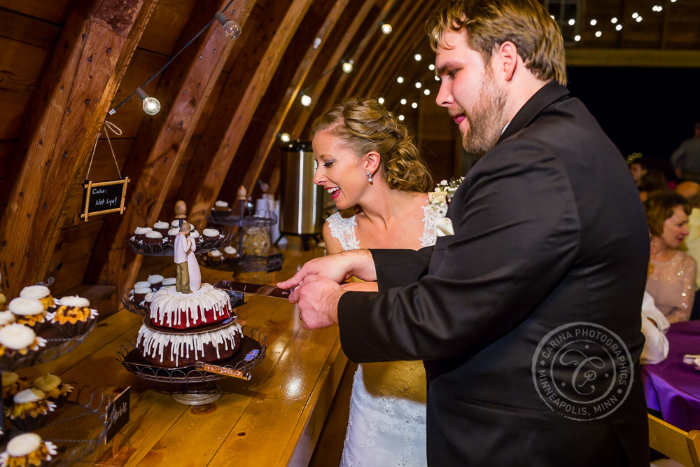 Rum River Barn & Vineyard MN Wedding Photo