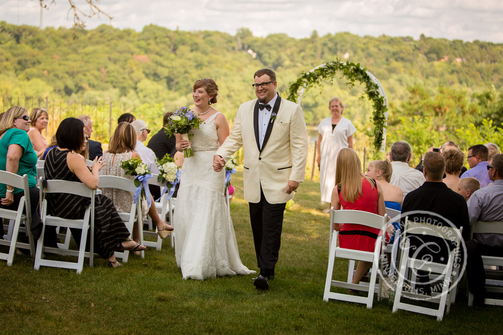 pioneer park rivertown inn wedding photos carina