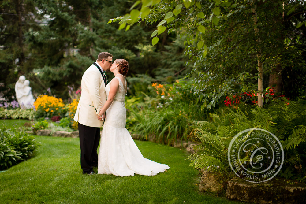 Stillwater MN Rivertown Inn Wedding Photo